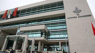 Anayasa Mahkemesi'nden KHK'lı sözleşmeli personel için 6 aydan fazla ceza almama şartına iptal