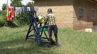 دستگاه پدالی شستوشوی دست؛ اختراع دانشآموز کنیایی در دوران شیوع کرونا