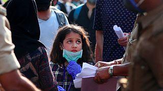 O mundo continua a olhar à procura de um sinal do fim da pandemia de Covid-19