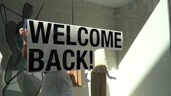 شاهد: عودة المتاجر للعمل بعد تخفيف بلجيكا إجراءات الحجر الصحي