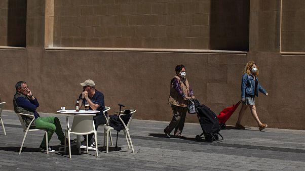 Espanha impõe quarentena a viajantes