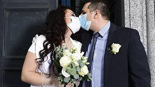 Coronavirus and weddings: This is what a marriage in Italy looks like during the COVID-19 pandemic