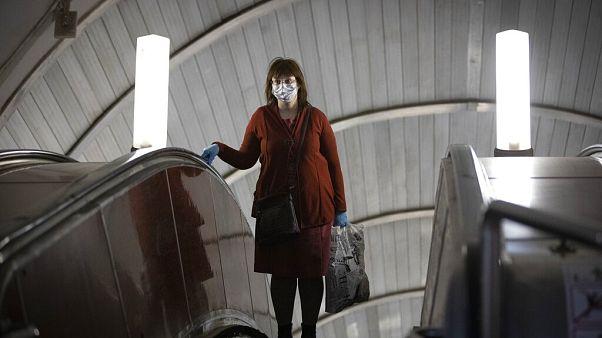 Rússia ultrapassa 240 mil casos de infeção