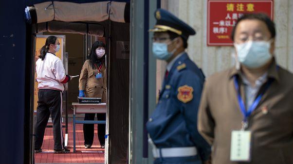 صورة للاجراءات المتبعة بعد تفشي كورونا في الصين