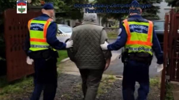 Pillanatkép a Szerencsi Rendőrkapitányság előállításról szóló videójából