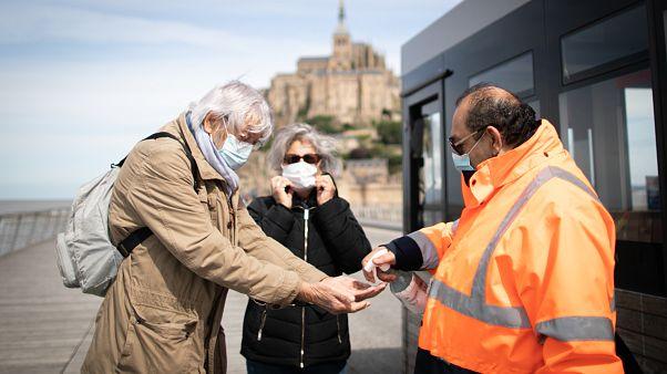 شاهد: فتح موقع جبل القديس ميشيل في فرنسا بعد شهرين من الإغلاق