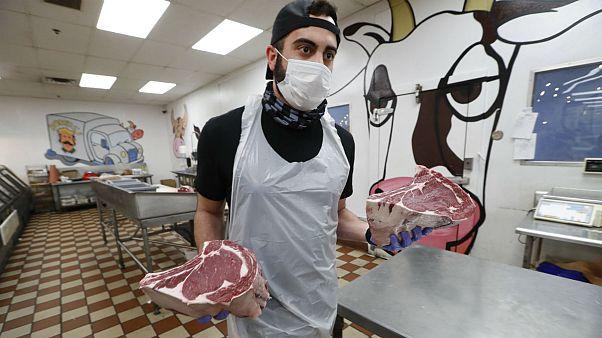 شناسایی ویروس کرونا در کشتارگاههای آلمان و آمریکا؛ آیا خوردن گوشت خطرناک است؟