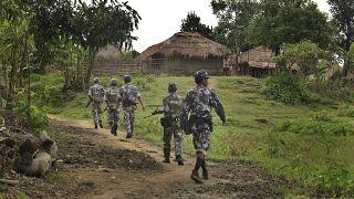 Myanmarlı askerler /arşiv