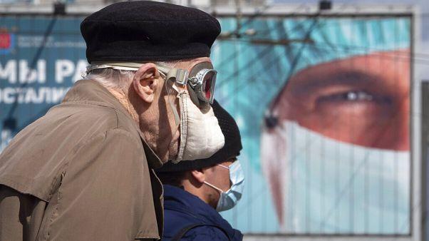 Seit Dienstag ist das Tragen von Gesichtsmasken und Handschuhen im öffentlichen Raum in Russland Pflicht.