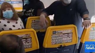 ΒΙΝΤΕΟ από πτήση της Ryanair με επιβάτες χωρίς κενές θέσεις