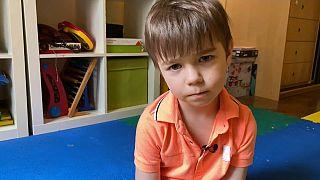"""Eingesperrt in Moskau: """"Dann hab ich meine Kinder angeschrien"""""""