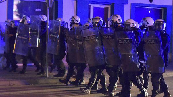 Zusammenstöße mit der Polizei in Niksic, Montenegro