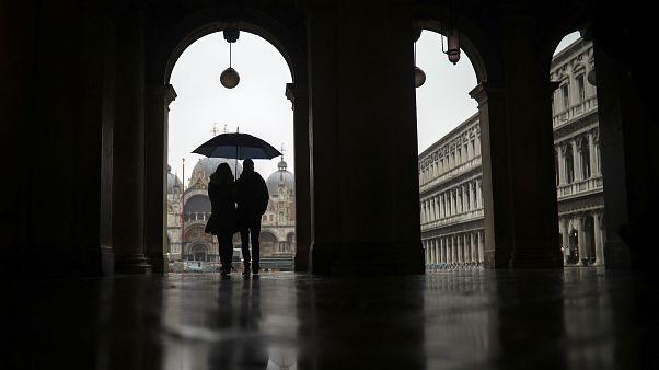 Οι Βενετσιάνοι απολαμβάνουν την άδεια πόλη - Καταστροφή για τους επαγγελματίες του τουρισμού
