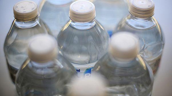 Covid-19: Οδηγίες σχετικά με το πόσιμο νερό, τους υδάτινους χώρους αναψυχής και τα υδάτινα λύματα