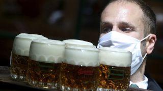 Austria, riaprono bar e ristoranti