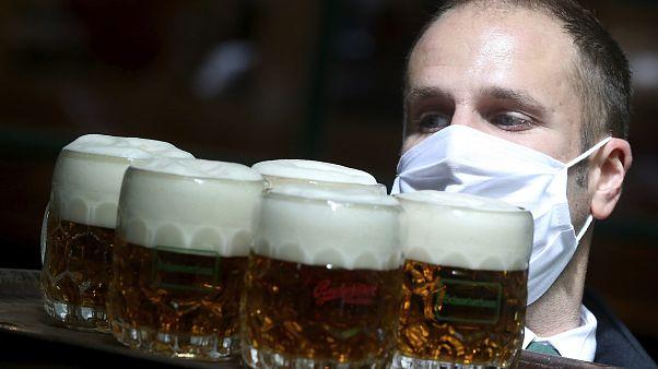 Austria reabre sus bares, cafeterías y restaurantes