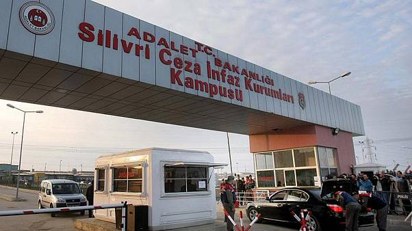 Gergerlioğlu, cezaevlerindeki koronavirüs vakaları için soru önergesi verdi