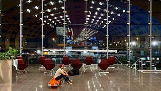 Mark Gonzales all'aeroporto Charles de Gaulle di Parigi