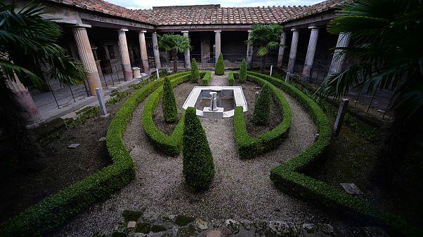 Pompeii antik şehri yeni bölgeleri ile ziyarete yeniden açılıyor