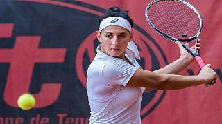 لاعبة التنس الجزائرية إيناس إيبو