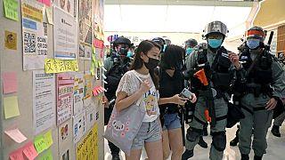 بستنی «با طعم گاز اشکآور» در هنگ کنگ
