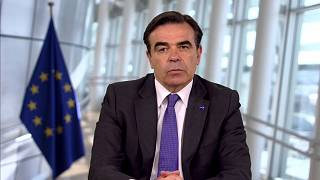 Le commissaire européen Margaritis Schinas juge injuste d'aggraver les dettes dans le sud de l'UE