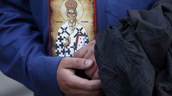 Liberados un obispo y ocho sacerdotes de la Iglesia ortodoxa serbia