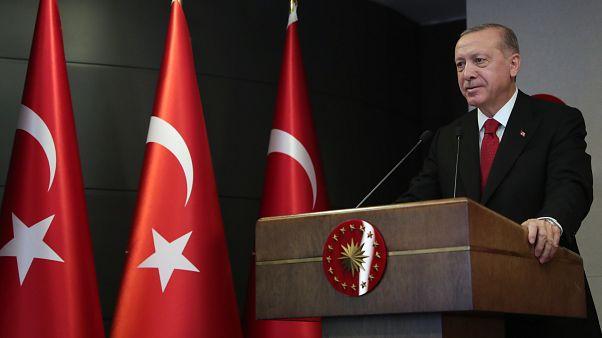 Türkiye Cumhurbaşkanı Recep Tayyip Erdoğan, 1915 Çanakkale Köprüsü'nün kulelerinin tamamlanma törenine telekonferans yöntemiyle katıldı. ( Mustafa Kamacı - Anadolu Ajansı )