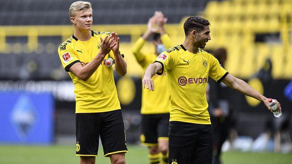 Los jugadores del Borussia de Dortmund celebran su victoria