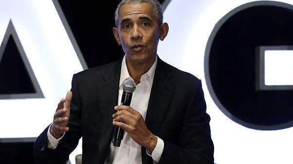 Obama in cattedra contro Trump