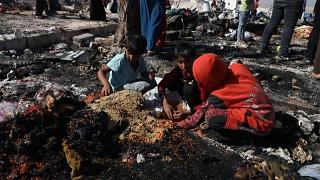 İdlib'de sığınmacıların yaşadığı çadır kentte yangın çıktı