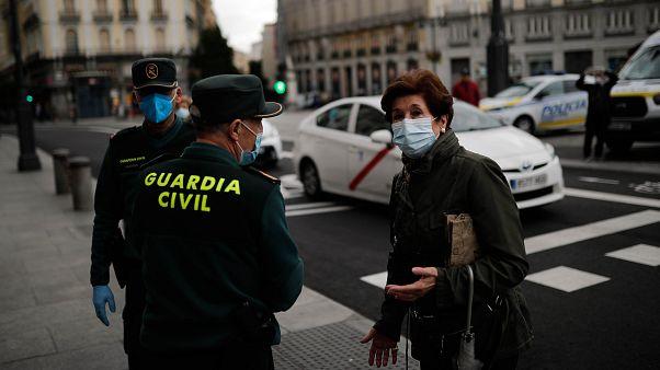 İspanya'da Covid-19 salgınında hayatını kaybedenlerin sayısı düşüyor