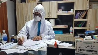 چالش جدید پزشکان افغانستان با کرونا: «حرف ملاامام بیشتر از تشخیص پزشکان اعتبار دارد»