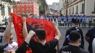 Protestas contra la demolición de un teatro en Tirana
