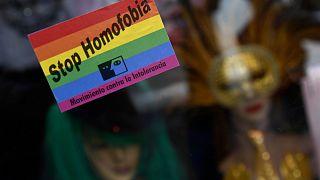 """Homofobiyi durdurun"""