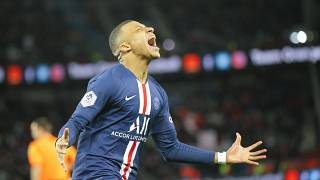مبابي محتفلاً بتسجيل هدف في الدوري الفرنسي