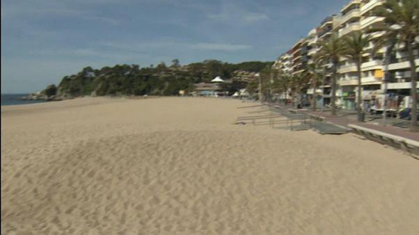 مدن أوروبية تفكر في فرض تراخيص دخول المصطافين للشواطىء