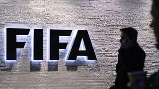 الفيفا يعتزم إقامة مباراة خيرية لجمع التبرعات لمكافحة فيروس كورونا