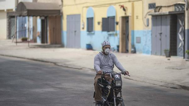 المغرب يقرر تمديد الحجر الصحي لمدة ثلاثة أسابيع للتصدي لجائحة كوفيد-19