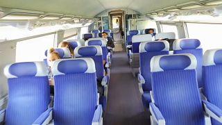 Interior del tren de alta velocidad (TGV) de la línea Lyon-París