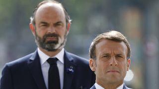 Emmanuel Macron marche à découvert