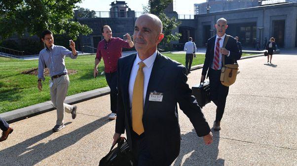 ABD Başkanı Donald Trump, Dışişleri Bakanı Mike Pompeo hakkında soruşturmalar yürüten Bakanlık Genel Müfettişi Steve Linick'i görevden aldı.