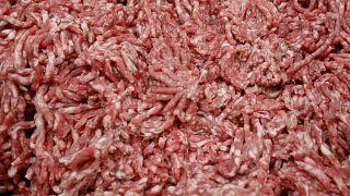 Новые очаги заражения на мясокомбинатах в ФРГ