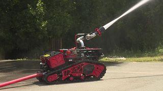 لمكافحة كورونا.. روبوتات فرنسية تعقّم مساحة 20 ألف متر مربع في 3 ساعات