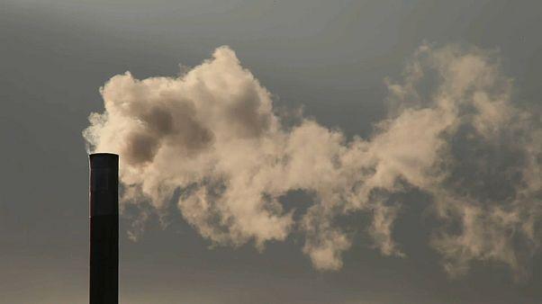 Corona-Lockdowns schicken CO2-Emissionen vorübergehend auf Talfahrt