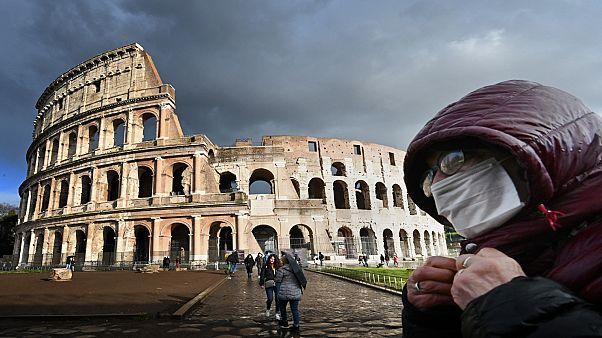 المسرح الروماني في العاصمة الإيطالية روما