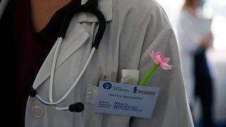 هل قلّل خبراء الصحة الأوروبيون من مخاطر كورونا في بداية انتشار الوباء؟