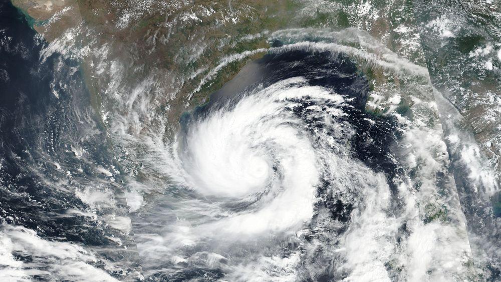 Циклон во время пандемии