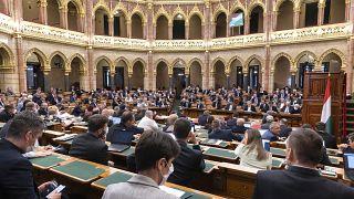 Az Országgyűlés plenáris ülése május 19-én
