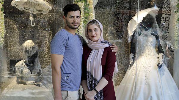 İran'da evlenme oranı yüzde 40 düştü